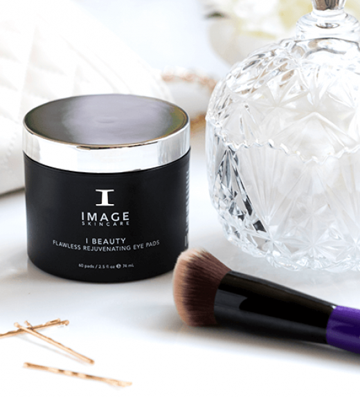 IMAGE Skincare I BEAUTY NO. 101 flawless foundation brush